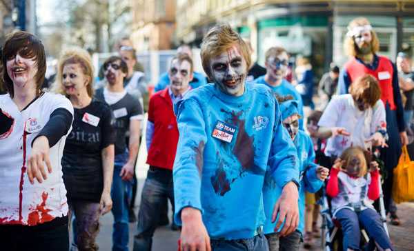 High Street Casualties: Ellie Harrison's Zombie Walk (photo: Marcin Sz)